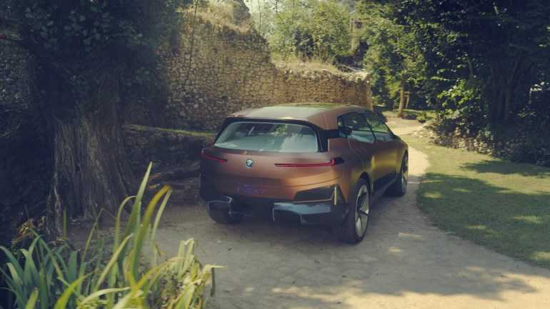BMW Vision iNEXT electric crossover
